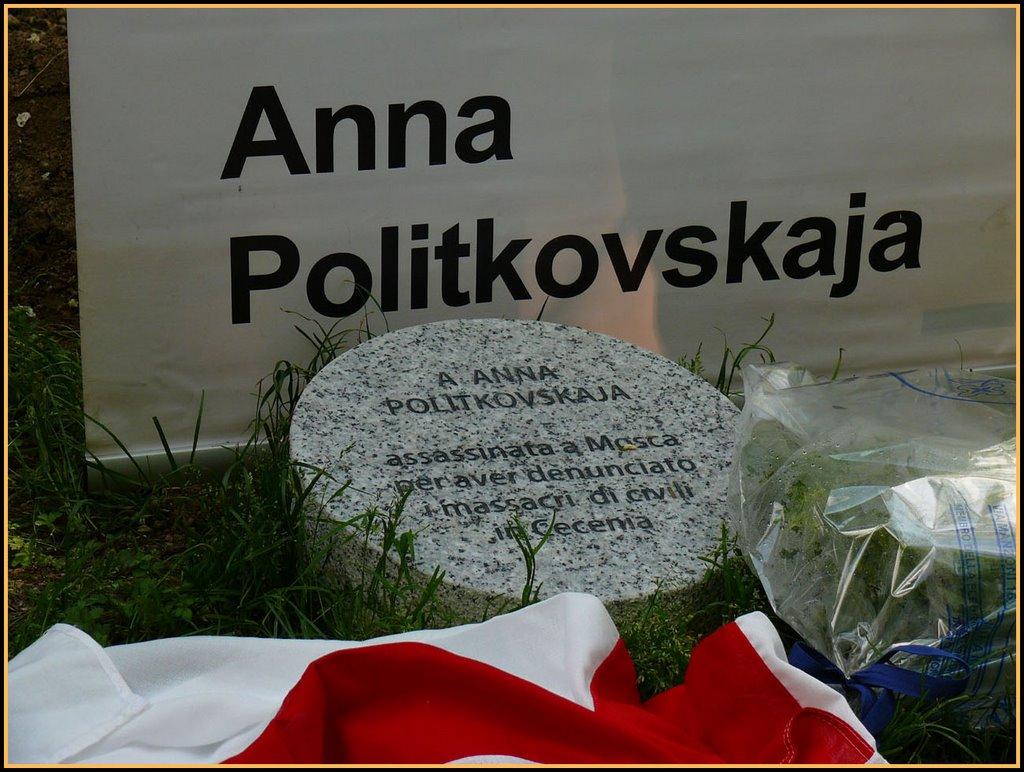 Anna Politkovskaja lapide a Milano
